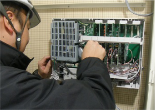 電気工事は街の電気を守り、インフラを支える大切な仕事。